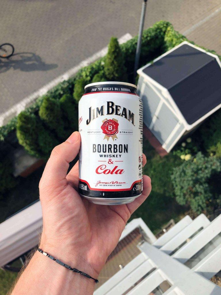 Puszka Bourbona Jim Beam z Colą