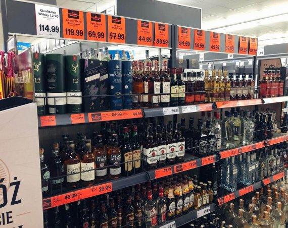 Półka z whisky w Lidlu