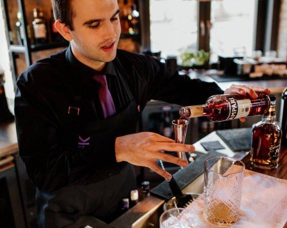 Drink Boulevardier - Campari, Wermut, Bourbon