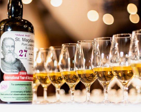 Kieliszki do whisky z przykrywką marki Amber Glass